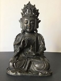 Bronze Guanyin with brown and golden patina - China - Mid-20th century