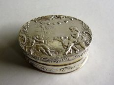 Silver snuff box, the Netherlands, English import, London, 1891