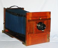 Wooden travel camera format: 18x24cm with large beautiful bellows