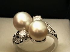 18 k white gold pearls and diamond