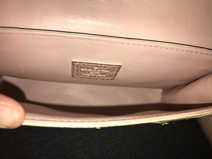 6c1bce362cce Louis Vuitton - Special Order L aimable bag - pink crocodile - Catawiki