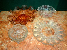 A Lot with Two Vintage Glass Bowls and Two Dishes