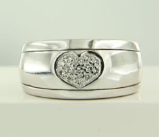 14 kt white gold ring set with 13 brilliant cut diamonds in total approx. 0.20 carat ring size 17 (53)