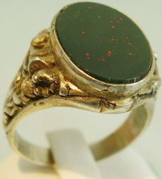 Men's silver ring with jasper bloodstone, Circa 1880