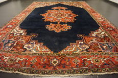 Rare, antique Persian carpet, Heriz, natural dyes, made in Iran, 240 x 340 cm
