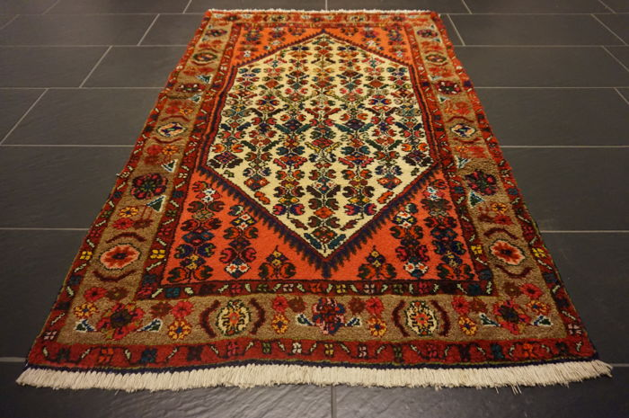 Old high-quality Persian carpet, Hamadan, made in Iran, natural dyes, 100 x 150 cm