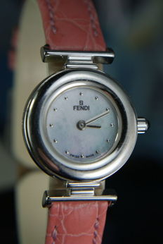 Fendi Authentic  Orologi white gold plated  and pink band ladies watch