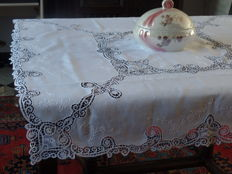 Square tablecloth + 6 napkins of old white linen with embroidery and Brussels bobbin lace - Belgium - early 20th century