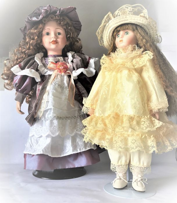 Porcelain doll, Germany (?) & porcelain doll Heritage Mint Ltd. Collectibles 1988-1989