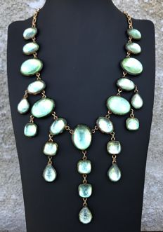 HENRY - Large and rare vintage necklace from the 1970s in resin and brass, of the highest luminosity.