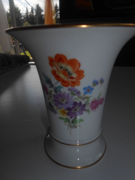 Meissen - Funnelled Vase with a Colourful Bouquet of Flowers