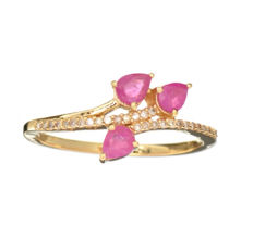 One 14k Yellow gold ruby and diamond ring, 2.20grams -No Reserve Price