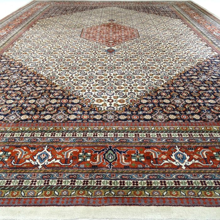 "Indo Bidjar - 403 x 300 cm - ""Showroom rug - Oversized Eastern rug in beautiful, practically non-treaded condition"" - With certificate."