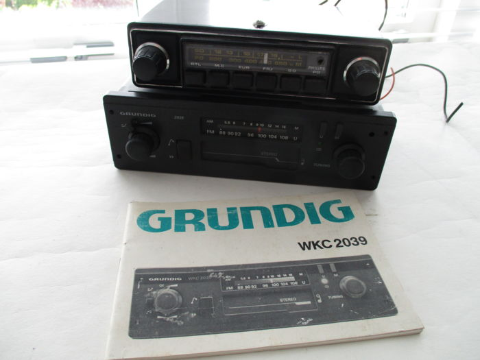 2x classic car radio Grundig WKC 2039 and Philips 22 RN - 1970s-1980s