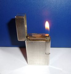 S.T. DuPont large lighter with free engraving plate in silver