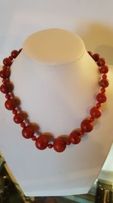 Genuine antique necklace in red gorgonian coral - 113 g