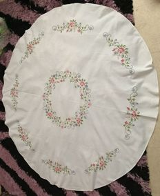 Large round tablecloth with roses embroidered in cross stitch