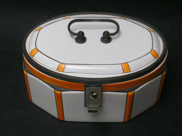Art deco earthenware cookie jar