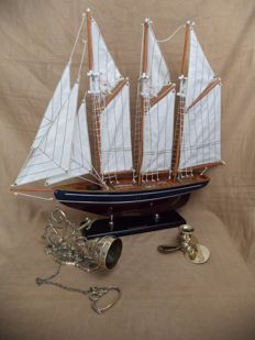 Sailing Vessel Marco Polo, with brass bell and brass propeller candle holder