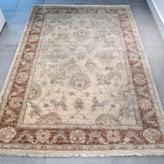 Magnificent, light Ziegler Persian carpet – 176 x 127 – very good condition – with certificate