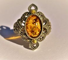 925 silver ring with Russian amber, 2 yellow sapphires and 10 marcasites, ring size 17