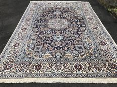 Oriental carpet, Persian Nain – 100% hand-knotted – investment