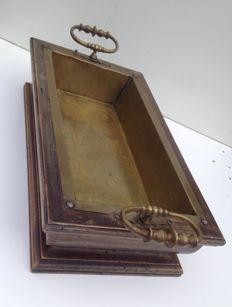 Oak tray inlaid with copper, late 19th century