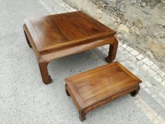 Two Chinese Chow Leg Monk, Elmwood tables - China - 20th century