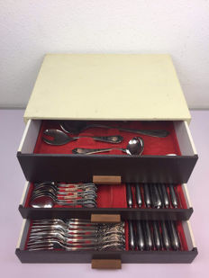 78-piece cutlery set in chest of Burberg - Germany - Second half of 20th century