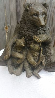 Heavy bronze sculpture of bear with two cubs, Belgium, 1980s