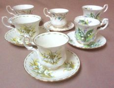 Royal Albert, six cups and saucers - in mint condition.