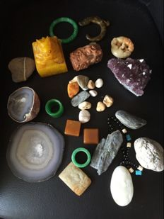 Large collection of Mineral Stones and Carvings - 2600 gm