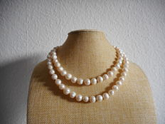 14K pearl necklace of white south sea baroque cultured pearls 34.6 inch in length with gold clasp
