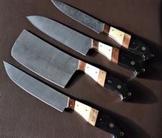 Set of four handmade Damask knives - handle made of Buffalo Horn, camel bone and olive wood - 200 + layers damask steel