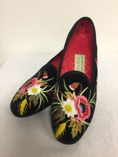 Berk Burlington Arcade London  – Luxury Hand Made Velvet Slippers/Shoes – women