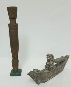 Ancestor figure and warrior in canoe - Sarawak - Borneo - Malaysia - 2nd half 20th century