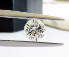 Diamond of 1.00 ct, F SI 1, round cut