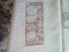 Tablecloth for 12 in white linen