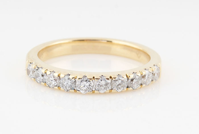 14 kt gold diamond ring 0.72 ct/10 round diamonds G-H VS1-VS2/ weight: 3.60 g / ring size: 54