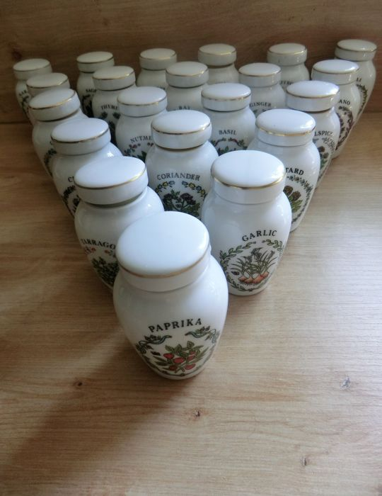 Set of 21 Japanese porcelain herbs spices jars Franklin Mint