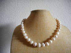 Baroque pearl strand with 14k gold clasp, Length 19.6 inch