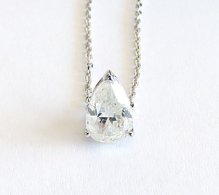 18 kt white gold pendant, pear diamond of 1.01 ct