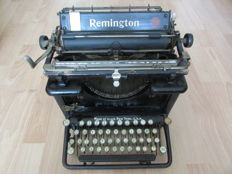 Remington 12 typewriter - 1920s