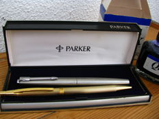 2 pens, Parker, Borghini - Parker permanent ink bottle
