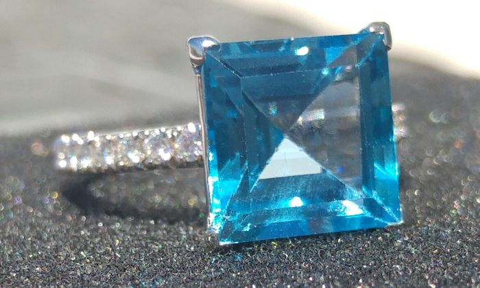 6.23ctw Blue topaz with diamonds beautiful ring