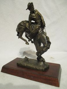 "Franklin Mint  ""The Outlaw "" Frederic Remington  Bronze Sculpture"