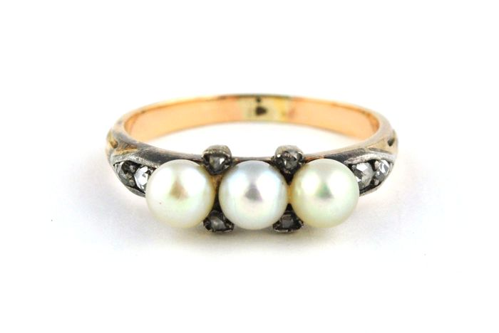 19th Century Pearl Trilogy with Rose & Single cut Diamonds set on 18k Yellow Gold & Silver Antique Ring - E.U Size 54/55 *Re-sizable