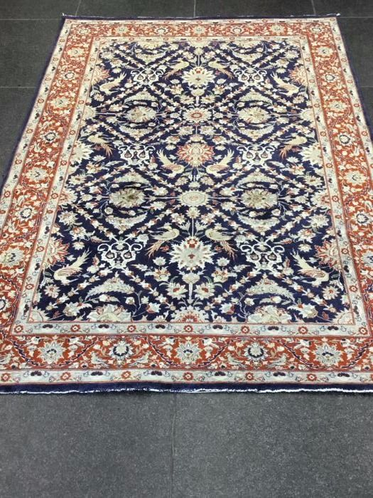 Very beautiful Persian carpet – knotted in the second half of the 20th century – Size 141 x 205 cm – With Certificate of authenticity.