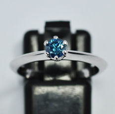 Solitario ring with blue diamond 0,32 ct - size 13