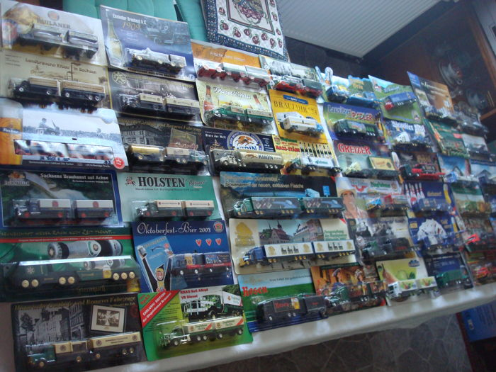 Collection - brewery trucks, advertising trucks, some vintage trucks and special editions, in original packaging, 80 parts - 1995/2006